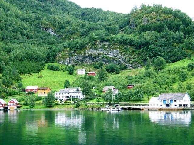ノルウェー 15日以内 3G Wi-Fiルーター【合計3GB】