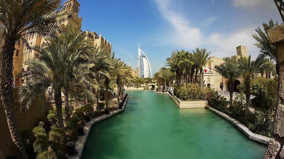 ドバイ・UAE アラブ首長国連邦 5日間 3G/4G Wi-Fiルーター【1日あたり900円/200MB】